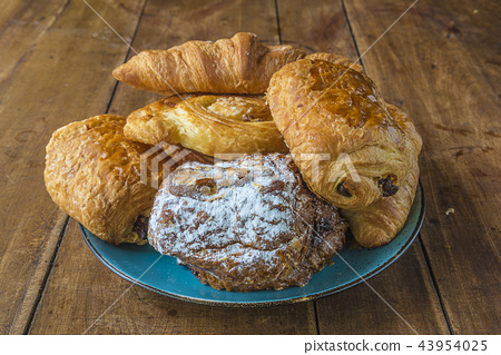 Plate with various of french croissants  43954025