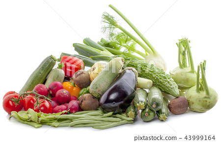 Composition with variety of raw organic vegetables 43999164