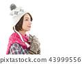 젊은 여성 겨울 43999556