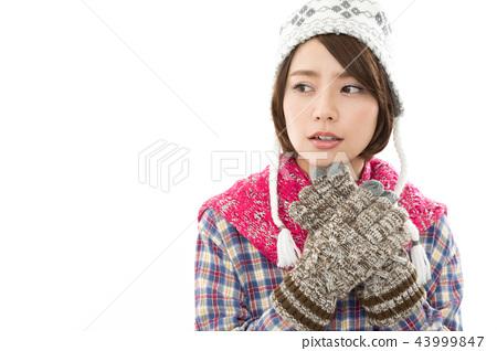 年轻女子冬天 43999847