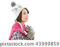 젊은 여성 겨울 43999850