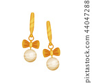 Gold earrings with pearls, fashionable jewelry vector Illustration on a white background 44047288