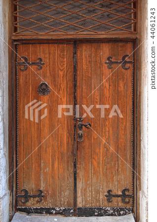 Wooden Door 44061243