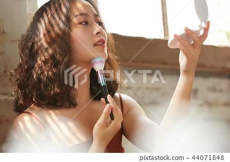 女性美容化妆 44071848