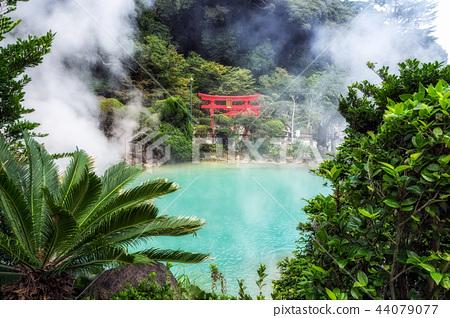 umi jigoku in beppu torii gates 44079077