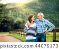 couple, senior, farm 44079173