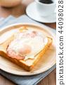 toast, toasts, eggs sunny side up 44098028