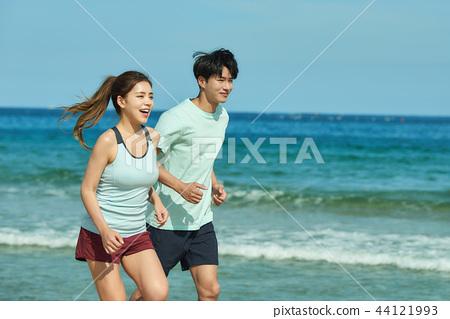 여름, 바다, 커플, 연인, 여자, 남자, 해변, 운동 44121993