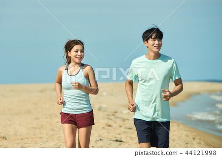 여름, 바다, 커플, 연인, 여자, 남자, 해변, 운동 44121998