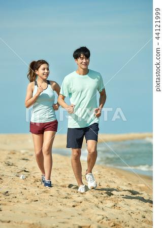 여름, 바다, 커플, 연인, 여자, 남자, 해변, 운동 44121999