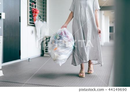 拿出垃圾公寓 44149690