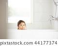 욕실에있는 여자 44177374