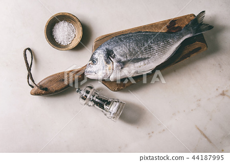 Raw sea bream fish 44187995