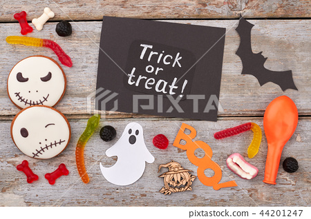 Halloween paper decorations and treats. 44201247