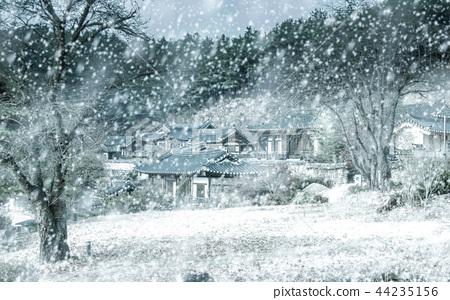 눈 내리는 시골풍경 44235156