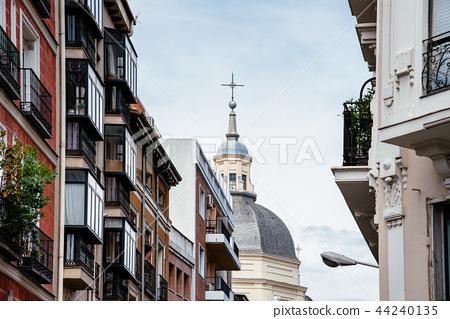 Scenic view of Lavapies neighborhood in Madrid 44240135
