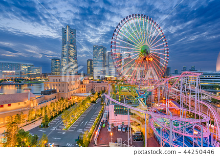 Yokohama, Japan Skyline 44250446