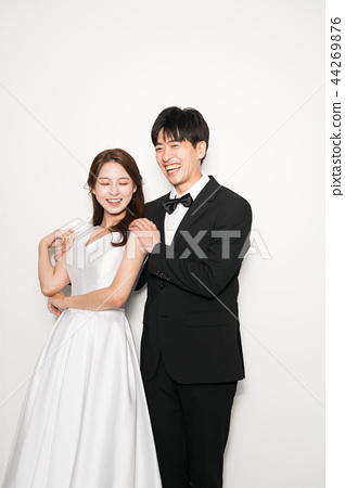행복한커플,연인,웨딩촬영,인물 44269876