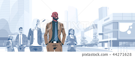 bald head businessman team leader boss stand out business people group individual leadership concept 44271628