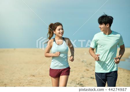 여름, 바다, 커플, 연인, 여자, 남자, 해변, 운동 44274987