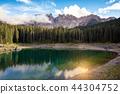Lago di Carezza 44304752