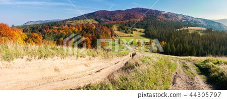 panorama of mountainous landscape in autumn 44305797