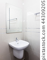 bathroom 44309205