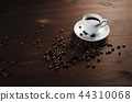 Coffee cup, coffee beans 44310068