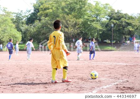 Boy football 44334697