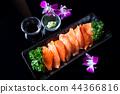 Salmon sashimi 44366816