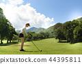 woman playing golf 44395811