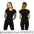 Young woman wearing blank black t-shirt 44403252