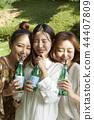 여자, 친구, 음료 44407809