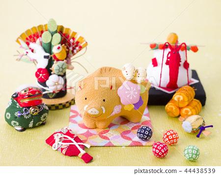 조디악 돼지 인형 44438539
