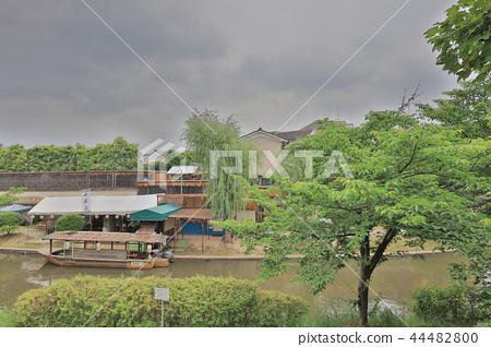 A sightseeing boat in Fushimi Horikawa Canal 44482800