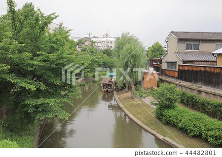 A sightseeing boat in Fushimi Horikawa Canal 44482801
