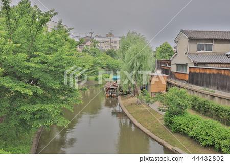 A sightseeing boat in Fushimi Horikawa Canal 44482802