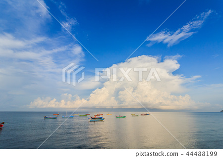 Sandy beaches and colorful fishing boats 44488199
