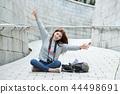 젊은여자, 대학생,한국,여행,돌담길, 카메라, 서울 44498691