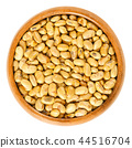 Roasted and salted soybeans in wooden bowl 44516704