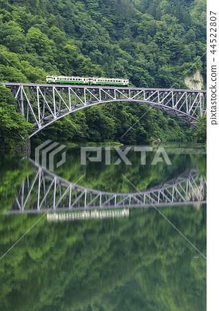新鮮的綠色Tadami線 44522807