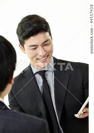 한국인,남자,비지니스,정장 44557419