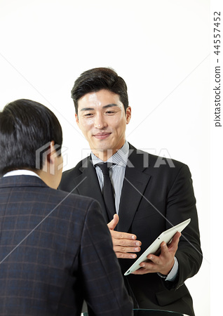 한국인,남자,비지니스,정장 44557452