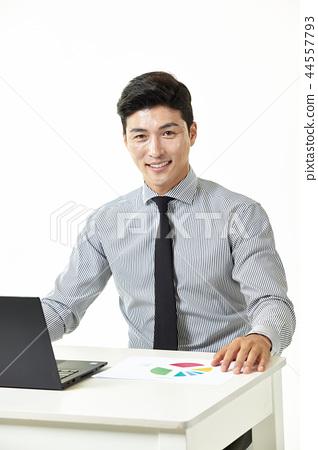한국인,남자,비지니스,정장 44557793