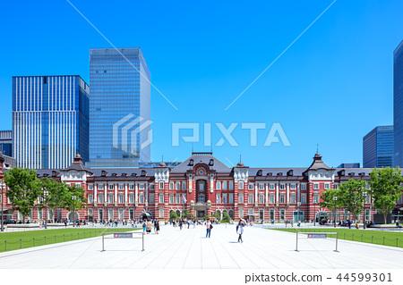 도쿄역 마루 노우치 출구 앞 풍경 44599301