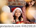家庭享受聖誕節 44620816