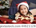 孩子享受聖誕節 44621128