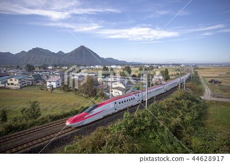 เมืองไดเซ็นจังหวัดอาคิตะภูเขาโอยามะและภูเขาโอฮาระและอาคิตะชินคันเซ็นโคมาจิหมายเลข 44628917
