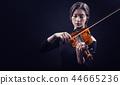 Violinist 44665236