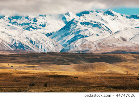 New Zealand scenic mountain landscape Mount Cook  44747026